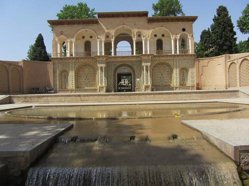 ورودی باع شاهزاده ماهان