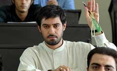 شهاب حسینی در نقش امیر علی دوران-دل شکسته