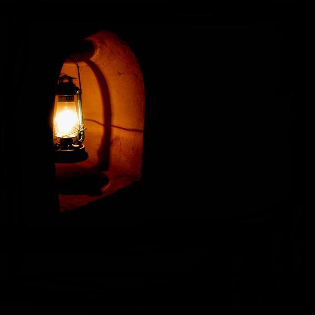 نوری در تاریکی