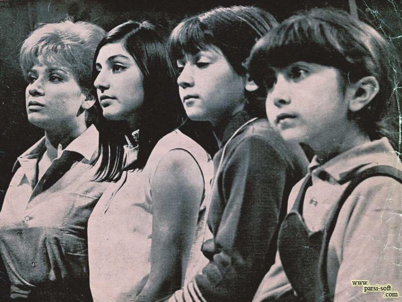 لیلا فروهر و گوگوش در نمایی از فیلم چهار خواهر